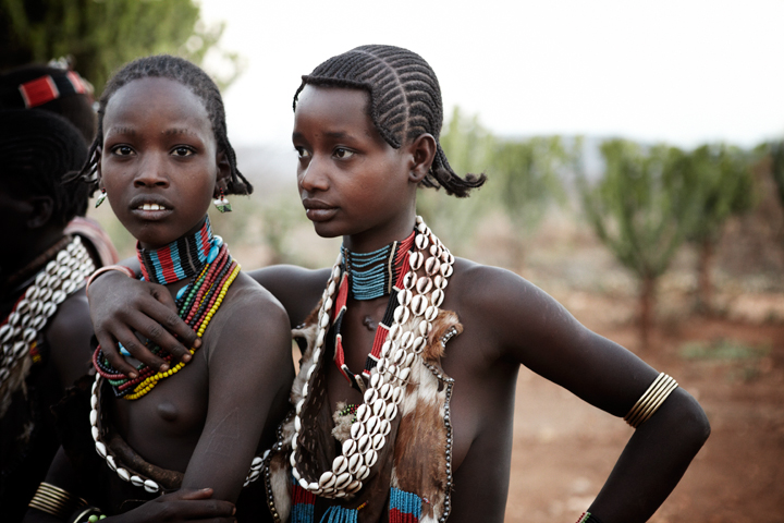 <em>Jason Wyche: Hamar Girls</em>, Ethiopia