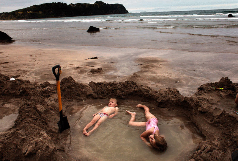<em>Lisa Wiltse: Hot Water Beach</em>, Coromandel New Zealand
