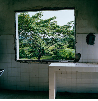Tim Hetherington Untitled, Liberia, 2003 Digital C-print © Tim Hetherington, Courtesy Yossi Milo Gallery, New York