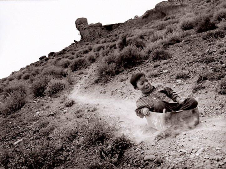 Heward Jue: Dirt Slide, Nepal