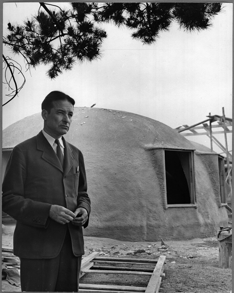 Wallace Neff at an Airform construction site.