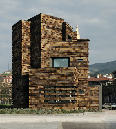 Azkoitia Municipal Library, Gipuzcoa, Spain, 2007.  Estudio Beldarrain.  Facade built from railroad ties. All images courtesy of W.W. Norton. (Click images to enlarge)